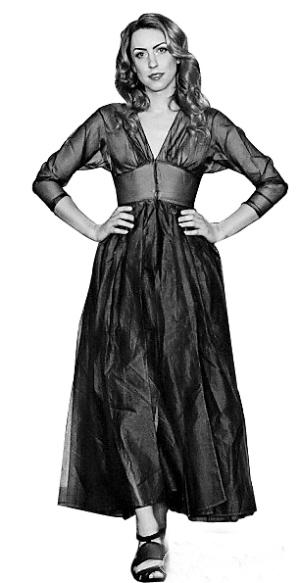 妮可·吉布森在伦敦时装周上惊艳亮相.