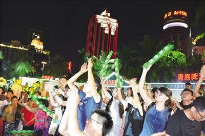 青岛啤酒节吹响欢聚集结号,拉动城市经济发展   海南四地青岛啤酒